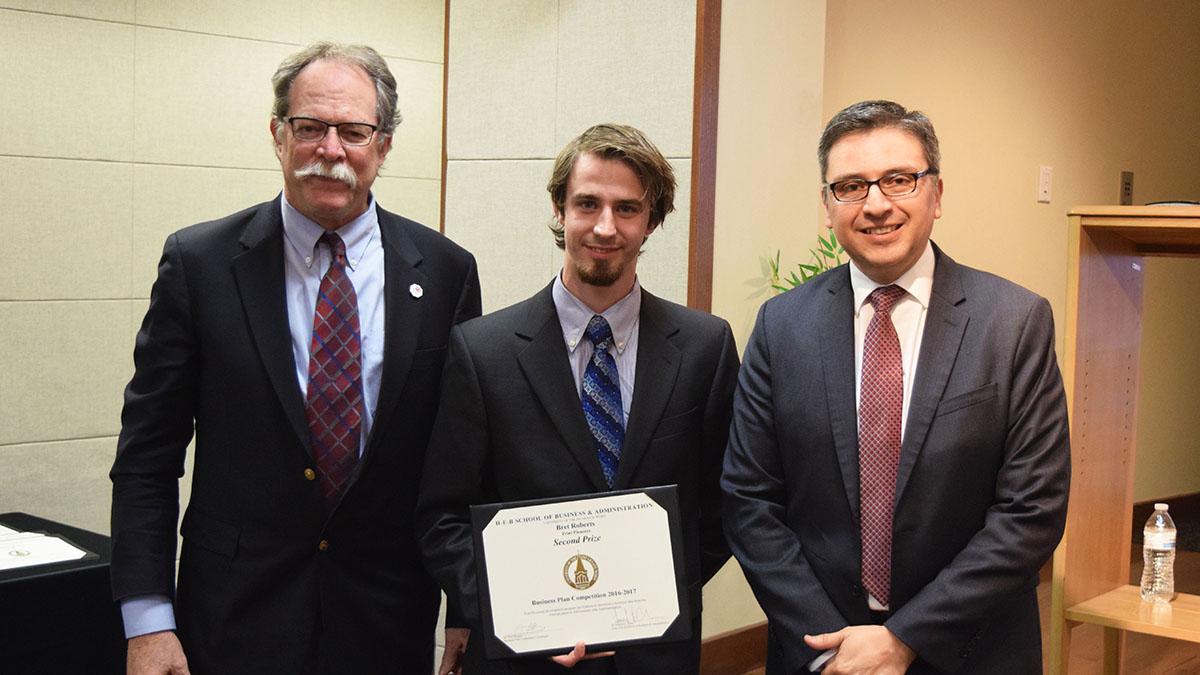 Bret Roberts receives certificate