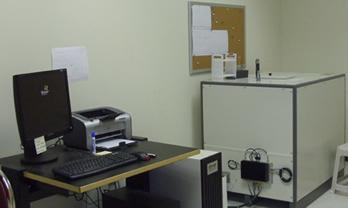 nmr spectrometer left